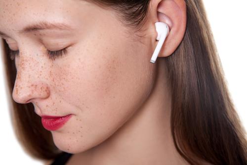 אוזניות אלחוטיות באמת – true wireless