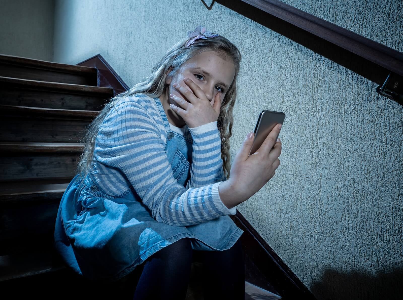 כל הורה צריך לדאוג: סכנות שאורבות לילדים ברשת